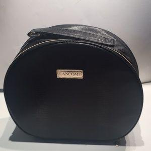 Lancôme Black Round Carry Case NWOT, Handle, Zips